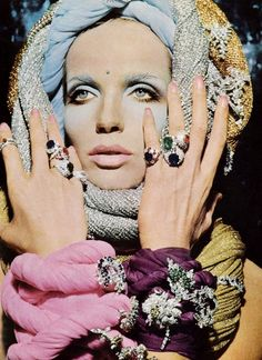 Veruschka preached great bling back in Twiggy, Jean Shrimpton, Carmen Dell'orefice, 1960s Fashion, Fashion Models, Vintage Fashion, Vintage Glam, Vintage Models, Vintage Bohemian