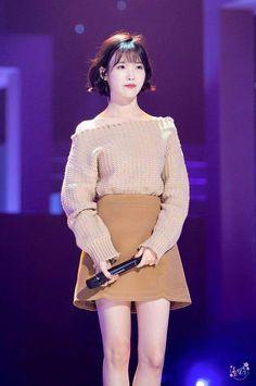 IU 161025 KBS open concert Pop Fashion, Star Fashion, Womens Fashion, Ulzzang, Korean Celebrities, Korean Beauty, Girls Generation, Korean Fashion, Asian Girl