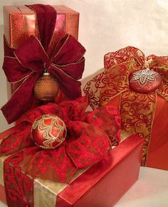 Gorgeous holiday wrapping