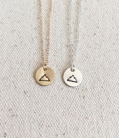 Tiny Mountain Necklace - Everyday Necklace - Gold Filled and Sterling Silver - Hand Stamped Jewelry - Simple Necklace- Gold Disc - Halskette Ideen Gold Necklace Simple, Simple Jewelry, Cute Jewelry, Stylish Jewelry, Modern Jewelry, Craft Jewelry, Cheap Jewelry, Delicate Necklaces, Inexpensive Jewelry