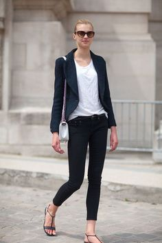 NAVY ALL OVER   Mark D. Sikes: Chic People, Glamorous Places, Stylish Things