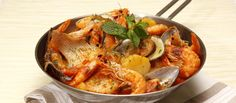 Tapas, Portuguese Recipes, Thai Red Curry, Seafood, Meat, Chicken, Ethnic Recipes, Cod Fish Recipes, Onions