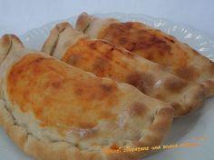 Protagonisti della ricetta di oggi sono dei favolosi panzerotti al forno, una ricetta regionale pugliese molto amata e rinomata!