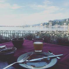 Sempre bello svegliarsi in un luogo diverso #tixilife #tixi #breakfast #italy #italia #liguria #dj #djlife #djing