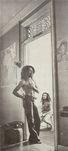 BOB MARLEY in 1976 with ALAN 'SKILL' COLE at 56 Hope Road...