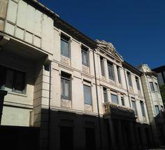 La antigua clínica del doctor Lozano (esquina de Paseo Sagasta con Calle Lagasca) es una casa con mucha historia, no solo por haber sido centro médico de referencia durante décadas, sino por su gran belleza arquitectónica.  Construida en 1903 en el vértice de laCalle Lagascay elPaseo de Sagasta, tiene la firma del arquitectoFélix Navarro(autor delMercado Central, delMonumento al Justicia, delPalacio Larrinaga, de laEscuela de Artesde laPlaza de los Sitios…) y albergó tanto la…