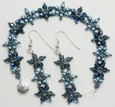 Crystal Flower bracelet and earrings pattern. Seed Bead Bracelets, Seed Bead Jewelry, Bead Earrings, Beaded Jewelry, Jewelry Necklaces, Handmade Jewelry, Beaded Necklace, Seed Beads, Jewelry Patterns