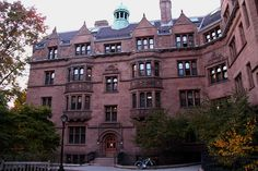 Old Campus of Yale University, New Haven, Connecticut Ivy College, College Campus, University Dorms, Harvard University, Yale Law School, New Haven Connecticut, Ivy League Schools, Dream School, Top Universities