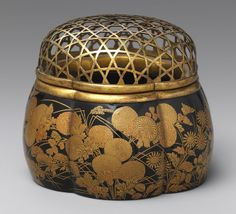 Six-lobed incense burner (akoda koro) [Japan] (12.134.29) | Heilbrunn Timeline of Art History | The Metropolitan Museum of Art