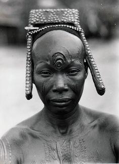 Africa   Bakutu woman. Tshuapa, Bodende, Belgian Congo (today, the Democratic Republic of Congo)   C. Lamote. ca. 1957