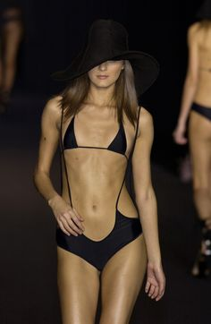 Sonia Rykiel at Paris Fashion Week Spring 2003 - Runway Photos