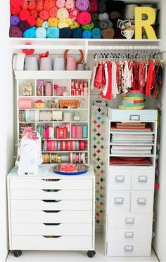 Making the most of a small space and using it to beautifully store a great array of colourful sewing/crafting products. #storage #craft #room #studio #closet #organization #sewing