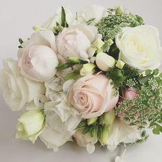 The bride.. #weddings #flowers #floral #bridal #bouquet #weddingflowers #posy #roses #florist #vasette