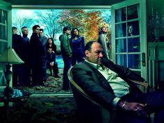 The sopranos .  هو مسلسل درامي أمريكي من أنتاج هوم بكس أوفيس, تدور قصة المسلسل حول توني سوبرانو والصعوبات التي يواجهها في محاولته موازنة المتطلبات المتعارضة في أغلب الأحيان بين بيته والمنظمة الإجرامية التي يترأسها.