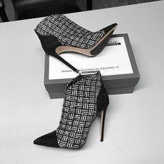 Womens Fashion Sneakers, Fashion Sandals, Bootie Boots, Shoe Boots, Next Shoes, Wedding Shoes Heels, Stiletto Boots, Slingback Shoes, Dream Shoes