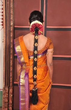 Ideas for indian wedding hairstyles braid hindus South Indian Wedding Hairstyles, Bridal Hairstyle Indian Wedding, Indian Bridal Sarees, Indian Wedding Wear, Indian Bridal Makeup, Indian Hairstyles, Bride Hairstyles, Simple Hairstyles, Latest Hairstyles