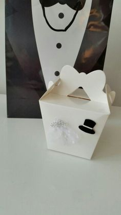 Fa's Fab Cornstarch cookies in special wedding gift box