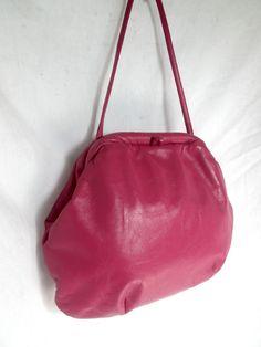 Vintage genuine PINK LEATHER metal frame Shoulder bag Clutch clamshell purse #AuthenticvintageUnbrandedhandbag #CROSSBODY19701980retrohipstereveningtote