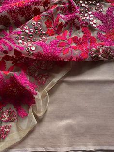Poly cotton saree with designer blouse pc Trendy Sarees, Buy Sarees Online, Cotton Saree, Indian Sarees, Indian Wear, Color Combos, Blouse Designs, Embroidery, Saris