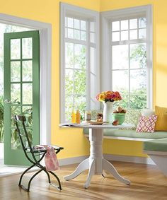 Color of the Month, May Buttercup Springy yellow and green inspire lingering a bit longer in this charming dining nook. White Laundry Rooms, Dining Nook, Kitchen Redo, Lemon Kitchen, Summer Kitchen, Yellow Walls, Yellow Kitchen Walls, Yellow Kitchens, Mellow Yellow