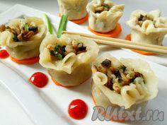 Рецептов приготовления китайских пельменей существует множество. Предлагаю попробовать один из них - Shaomai. Вкусные, нежные и необычные, эти пельмени удивят не только ваших домашних, но и гостей!