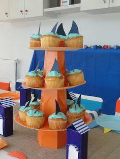 Cupcakes muy fáciles de tiburón! Party Design: Playa