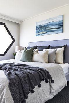 Amazing coastal bedroom ideas only on kennyslandscaping.com Cheap Bedroom Sets, Stylish Bedroom, Modern Bedroom, Bedroom Ideas, Bedroom Decor, Bedroom Pictures, Design Bedroom, Bed Ideas, Bedroom Inspiration