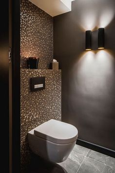 Amazing stunning decoration bathroom black white gold painting bathroom ideas brown fresh amazing red tile bathroom - Bad - Home Sweet Home Bathroom Toilets, Bathroom Wall, Small Bathroom, Bathroom Ideas, Bathroom Black, Bathroom Remodeling, Remodeling Ideas, Bathroom Designs, Bathroom Lighting