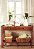 -Consola curva Colonial Foldir en Portobellostreet.es Modern Console Tables, Colonial, Entryway Tables, Furniture, Home Decor, Consoles, Curves, Fabrics, Decoration Home