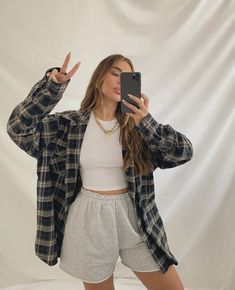 Tomboy Fashion, Teen Fashion Outfits, Mode Outfits, Retro Outfits, Look Fashion, Streetwear Fashion, Fall Outfits, Trendy Summer Outfits, Girl Streetwear