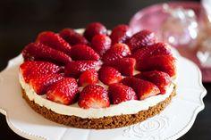 Recette de tarte aux fraises sans cuisson au Thermomix TM31 ou TM5. Réalisez ce dessert en mode étape par étape comme sur votre Thermomix !