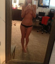 Blonde girl face no Nude selfie