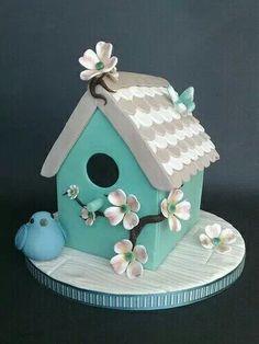 Shabby Chic, Bird House Cake (by SmallThingsIced) soo pretty! l love Bird Houses Gorgeous Cakes, Pretty Cakes, Cute Cakes, Amazing Cakes, Bird Cakes, Cupcake Cakes, Chocolate Bar Cakes, Gateau Harry Potter, House Cake