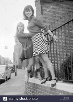 Stock Photo - Actress Felicity Kendal with Wendy Varnella March 1967 who appear together in the TV play Person Unknown standing on a wall wearing short skirts British Comedy, British Actors, Paula Wilcox, Felicity Kendal, Old Film Stars, Sixties Fashion, Women's Fashion, Girls Slip, Good Looking Women