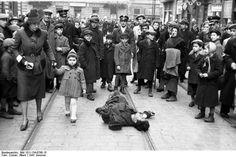 Warsaw ghetto scene, Summer 1941.