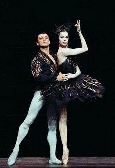 Patrick Dupond & Marie-Claude Pietragalla, ballet dancers.
