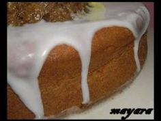 O Falso Ganache de Chocolate é econômico e fica delicioso. Utilize em seus bolos, bolos de pote e cupcakes e faça muito sucesso! Veja Também: Ganache em Po