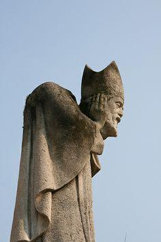 St. Denis, Head in Hand