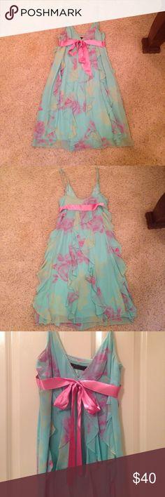BCBG dress Cute BCBG dress with pink bow BCBG Dresses Midi