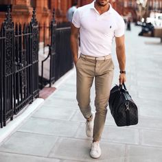 11 Stylish chino outifts for the summer! - Mr Streetwear Magazine - Dressed up - Chinos Men Outfit, Polo Shirt Outfits, Beige Chinos, Stylish Mens Fashion, Men's Fashion, Stylish Man, Fashion Bags, Outfit Des Tages, Best Street Style
