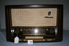 Grundig Majestic Model 3035  radio - WILL NOT SHIP