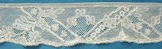 45ins antique/vintage Mechlin lace edging 18th century - Pat Earnshaw collection
