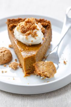 Almond Pumpkin Pie with Amaretti Cookie Crust