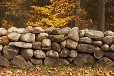 How to Install Retaining Walls With Natural Stone thumbnail