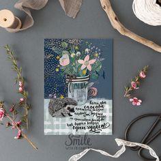 """Открытка с фразой """"Есть два способа прожить жизнь: первый - как будто чудес не существует, второй - как будто вокруг одни чудеса!"""", с букетом цветов, милым ежиком и улиткой вызовет у вас улыбку и станет прекрасным подарком :) Наши открытки можно посылать почтой, что так любят посткроссеры со всего мира, дарить друзьям и близким, а можно просто повесить рядом с собой или оформить в рамочку. Размер 10х15 см, печать на картоне 300 гр"""