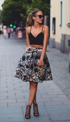 Tenue de jour élégante femme chique robe belle