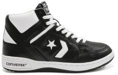 Converse Weapon — Though it seemed to fade from public consciousness as soon as it entered it, Converse's The Weapon was THE shoe to have in the NBA. Released in it was worn by both Magic Johnson and Larry Bird for several years in the late en Converse Basketball Shoes, Tenis Basketball, Converse All Star, Retro Sneakers, Classic Sneakers, Men's Sneakers, Converse Weapon, Converse Vintage, Exclusive Shoes