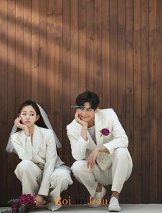 wedding photos studio + Wedding Ideas ~ wedding photos must have Pre Wedding Poses, Pre Wedding Shoot Ideas, Pre Wedding Photoshoot, Romantic Wedding Photos, Funny Wedding Photos, Korean Wedding Photography, Photography Ideas, Photography Equipment, Festa Party
