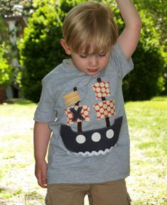 Artículos similares a Ships Ahoy Tee up to en Etsy Sewing Appliques, Applique Patterns, Applique Designs, Embroidery Applique, Baby Shirts, Boys T Shirts, Kind Und Kegel, Personalized T Shirts, Custom T