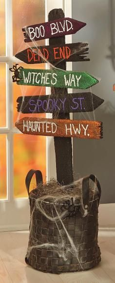 DIY Tutorial: DIY Halloween / DIY Halloween Directional Wooden Post Sign - Bead&Cord